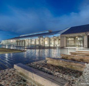 13_west-facade-rain